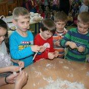 Spotkanie przedszkolaków z Kołem Gospodyń Wiejskich w Studzienicach