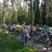 Dzień Rodzinki w kl. III b - wycieczka rowerowa