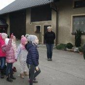 Wizyta klas 1 a i 1 b w gospodarstwie rolniczym