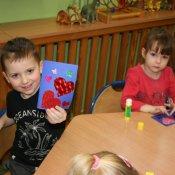 W piątek obchodziliśmy Walentynki i wszystkie dzieci miały wesołe minki