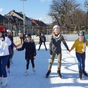 Zajęcia sportowe na pszczyńskim lodowisku